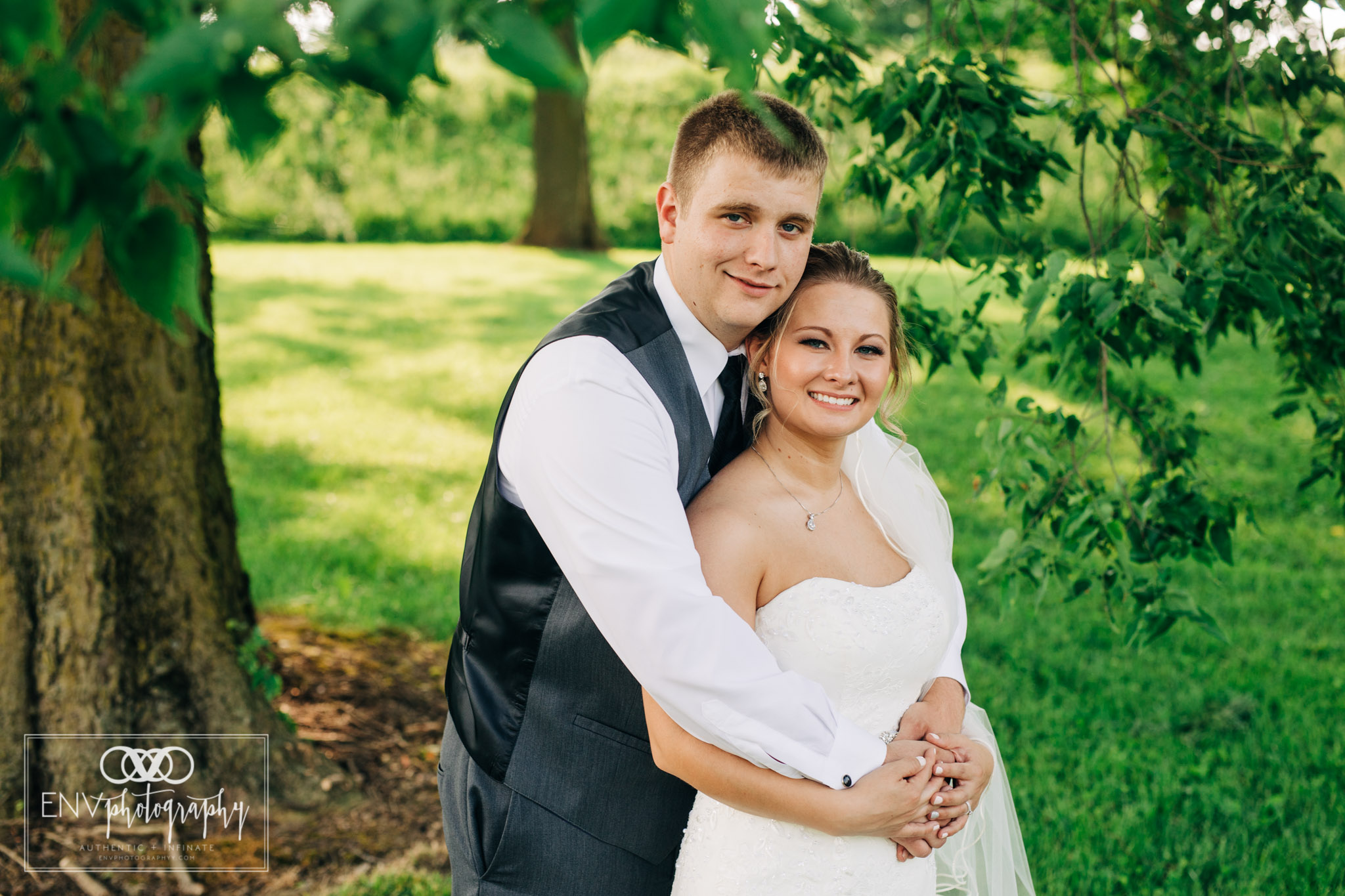 mount vernon newark ohio wedding photographer (31).jpg