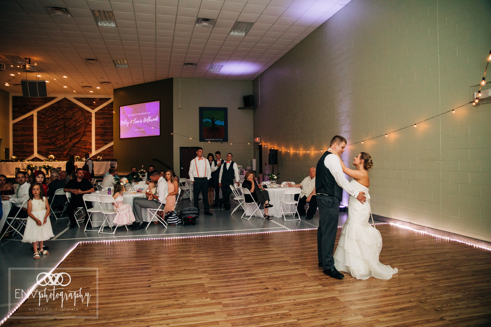 mount vernon newark ohio wedding photographer (42).jpg