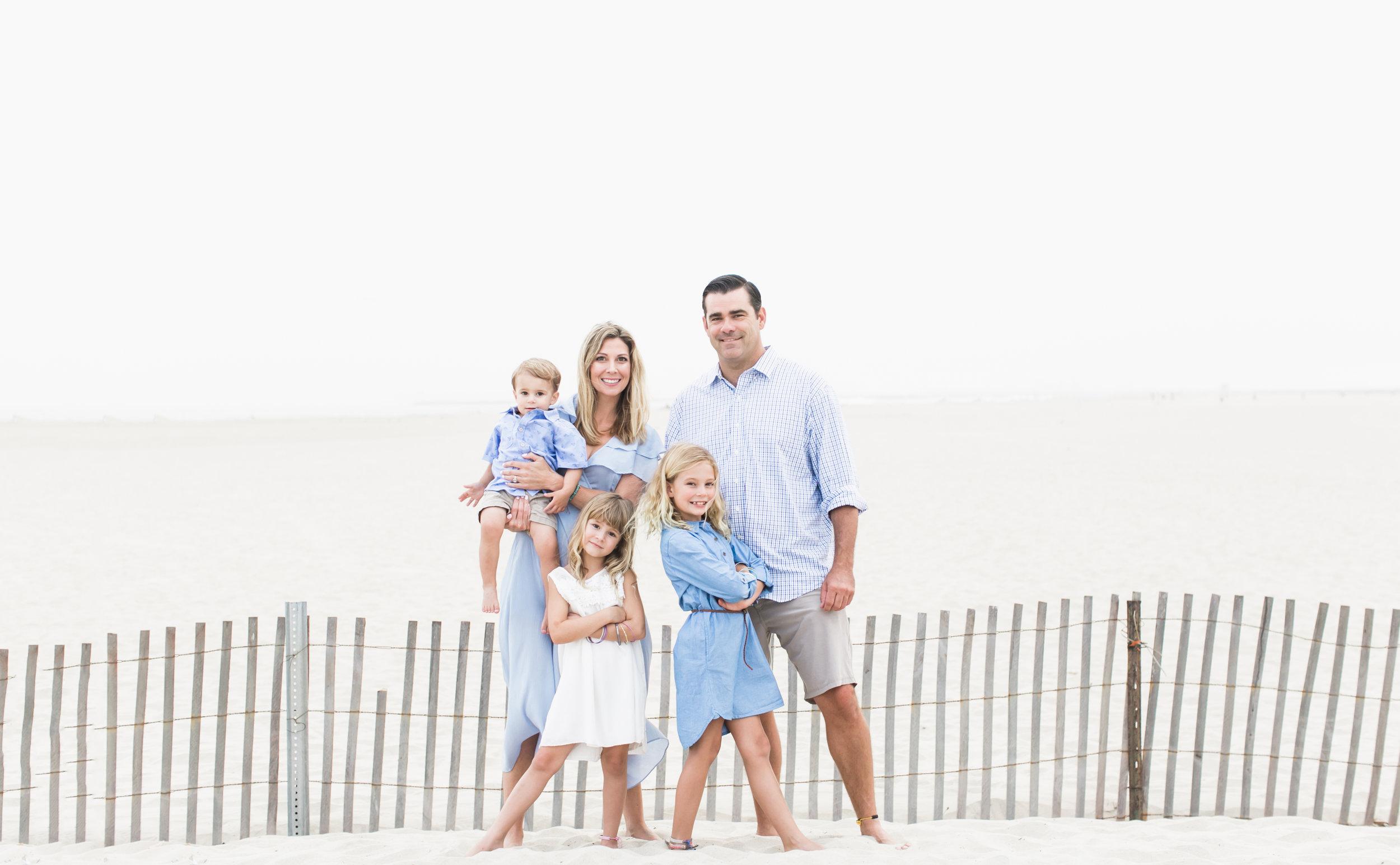 Family photos at Seal Beach Pier.