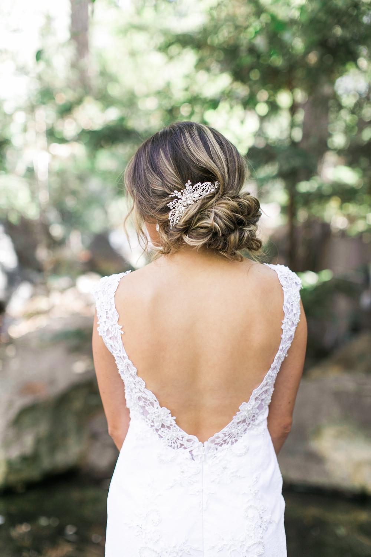 Bride gets ready at Calamigos Ranch wedding in Malibu, Ca.