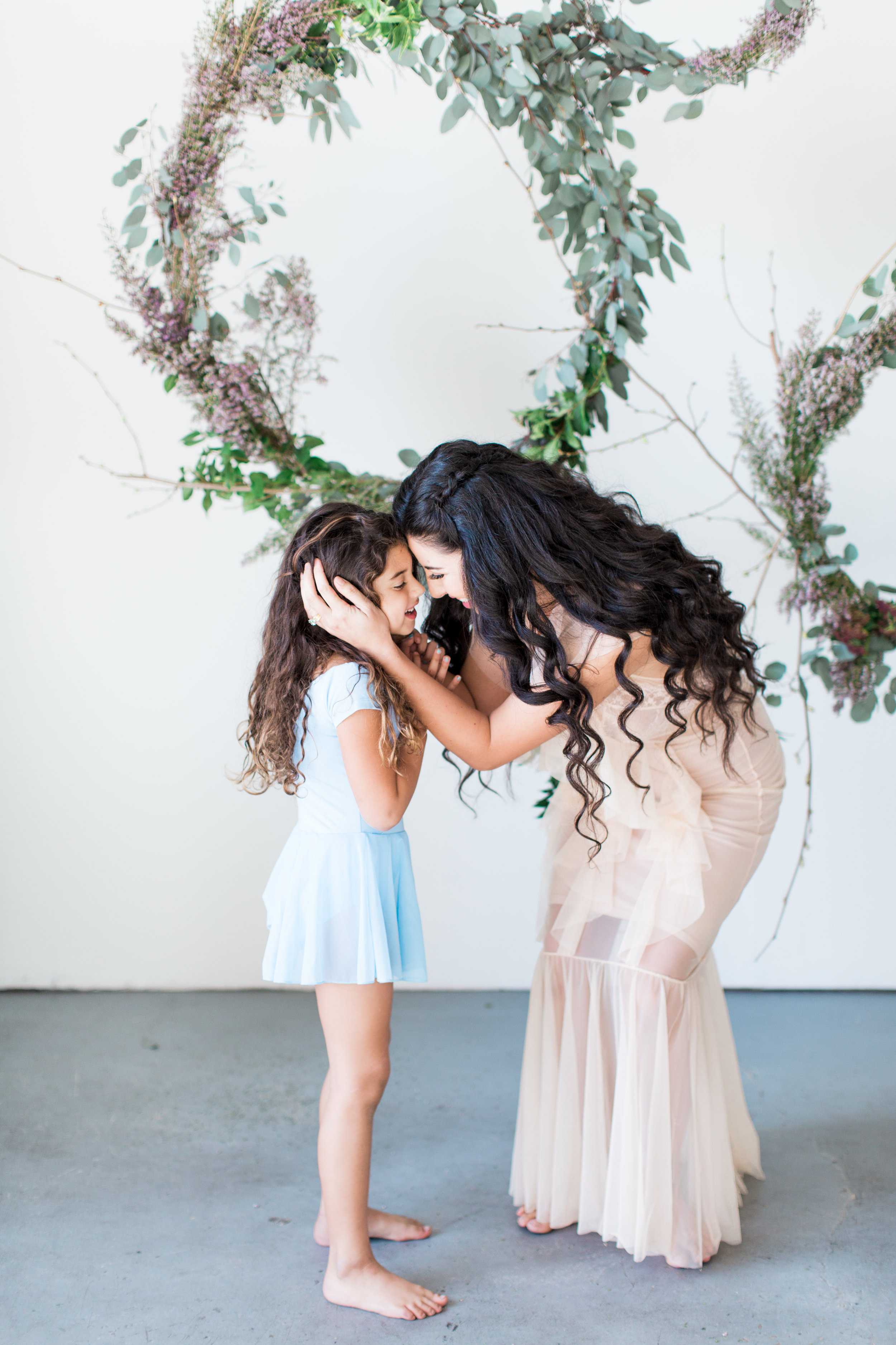 Photography sessions for Mother's Day 2018 held in Orange County, Ca by family photographer Lovisa Photo.
