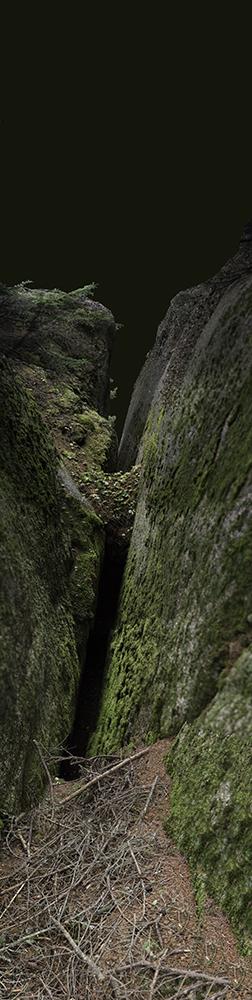Moss Crevasse / Lawrys Island