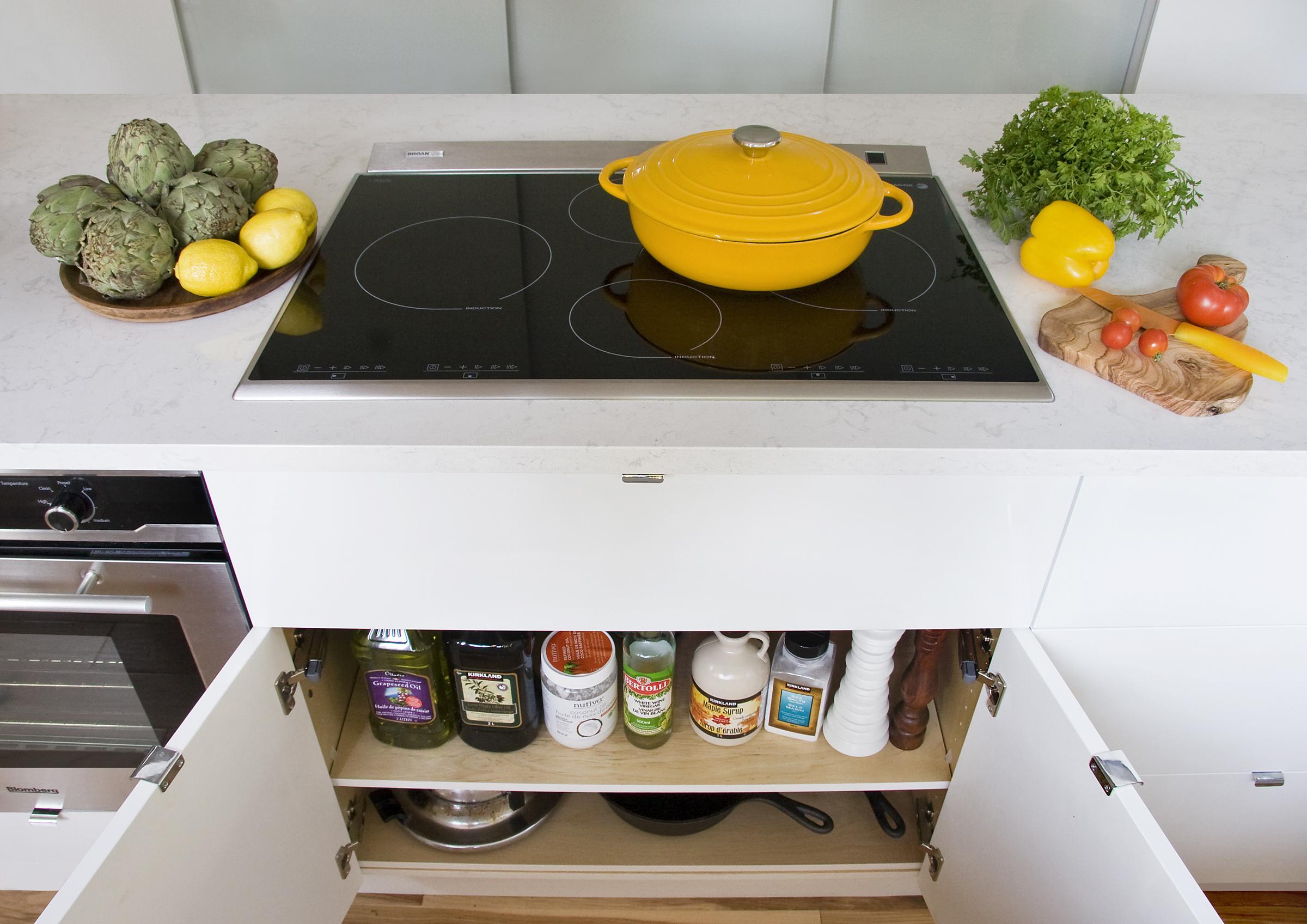 under cooktop oils hz.jpg