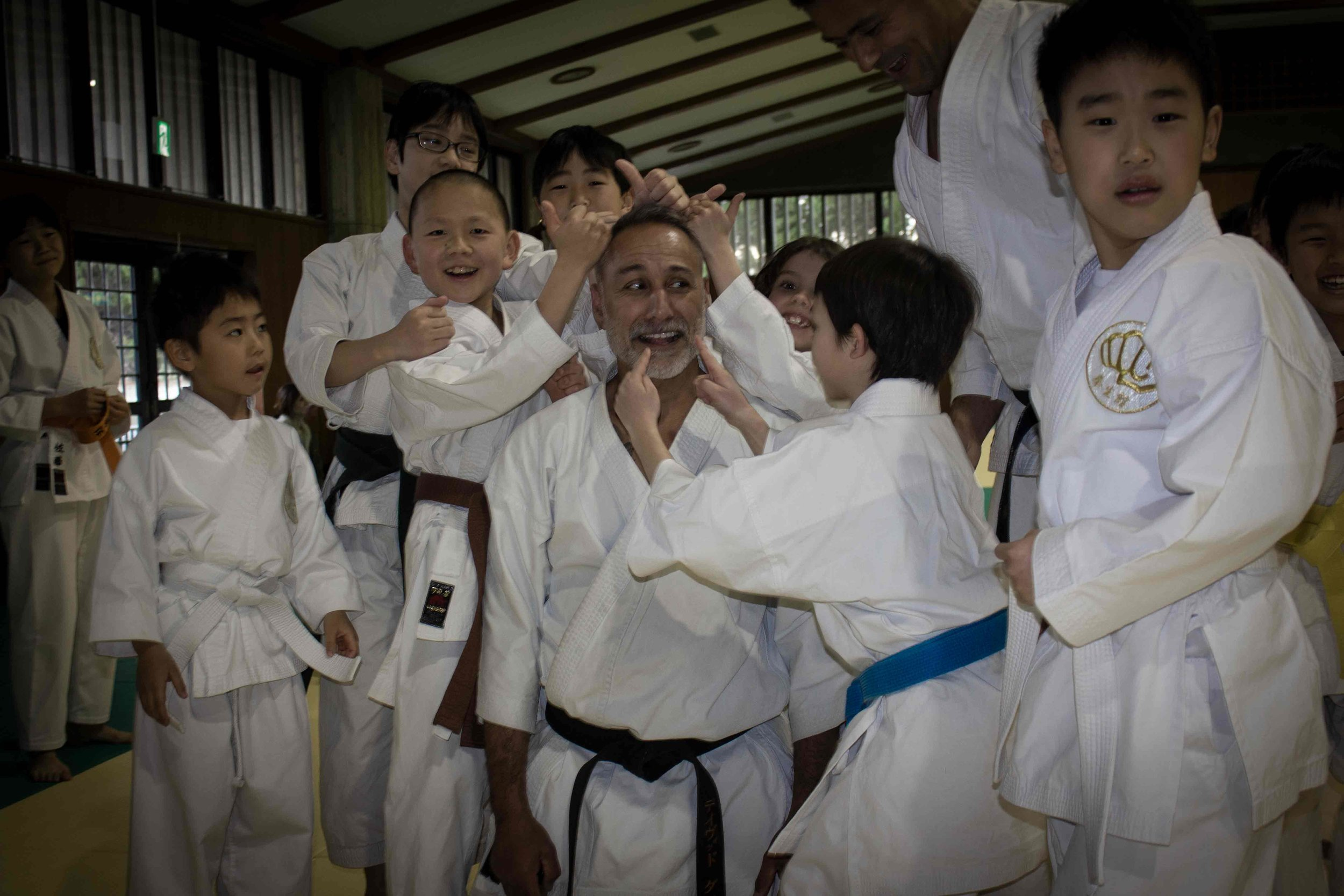 sensei-and-kids-04.jpg