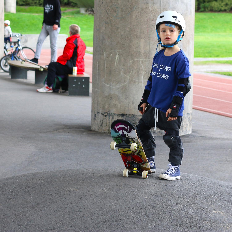 Gardnerandthegang_idigdenim_aw16_threadsthatcount_skateboard.jpg