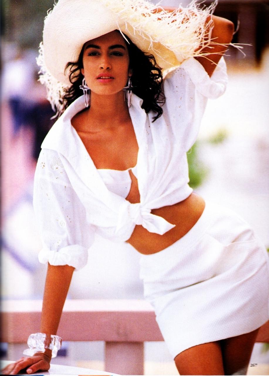Vogue (US) May 1990 | Yasmeen Ghauri 08.jpg