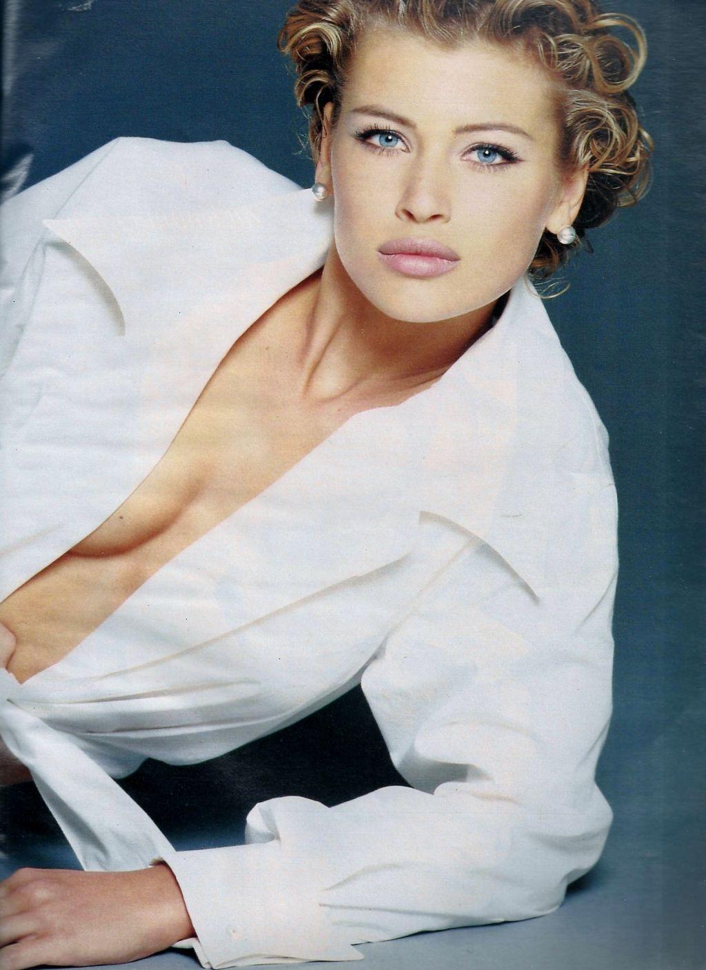 Elle (France) February 1992 | Daniela Pestova 02.jpg