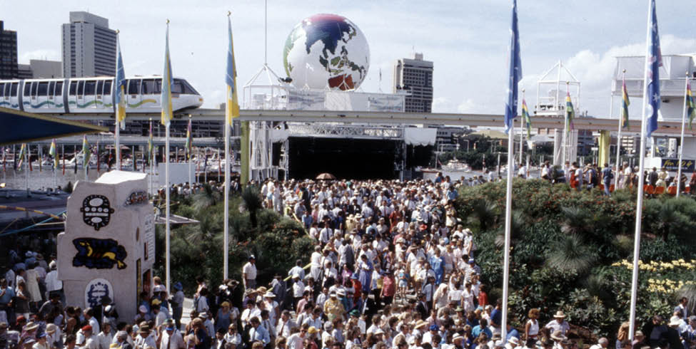 World Expo 88   Crowds