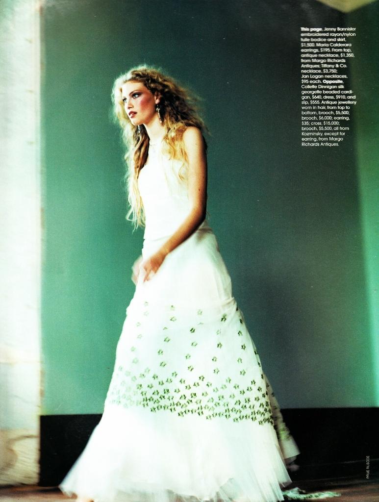 Vogue (Australia) June 1998 | Alyssa Sutherland 02.jpg