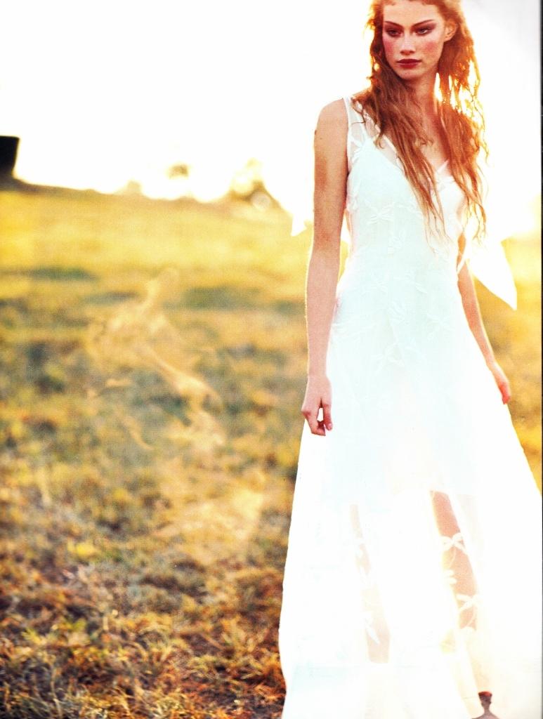 Vogue (Australia) June 1998 | Alyssa Sutherland 05.jpg