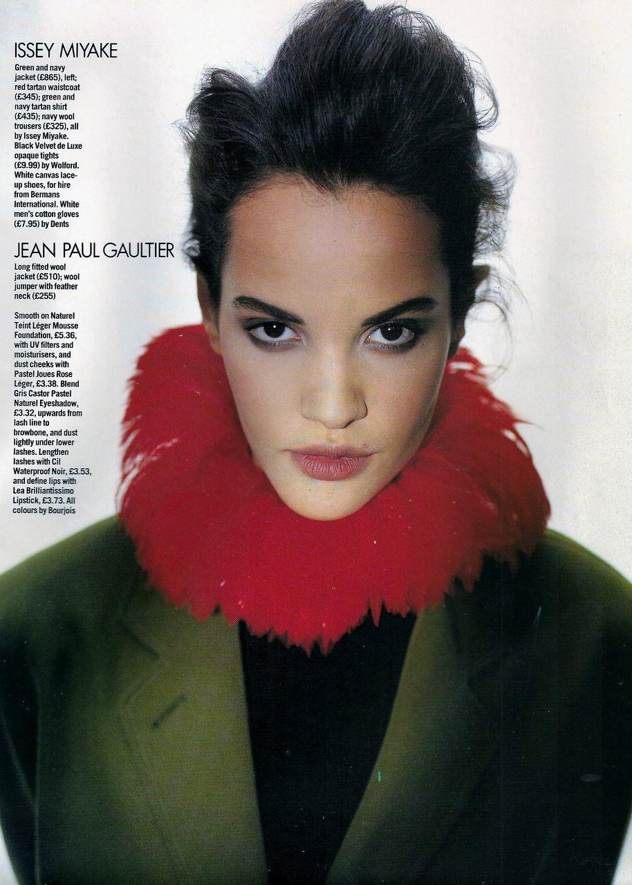 Vogue (UK) October 1991 | Claudia Mason & Valerie-Jean 02.jpg