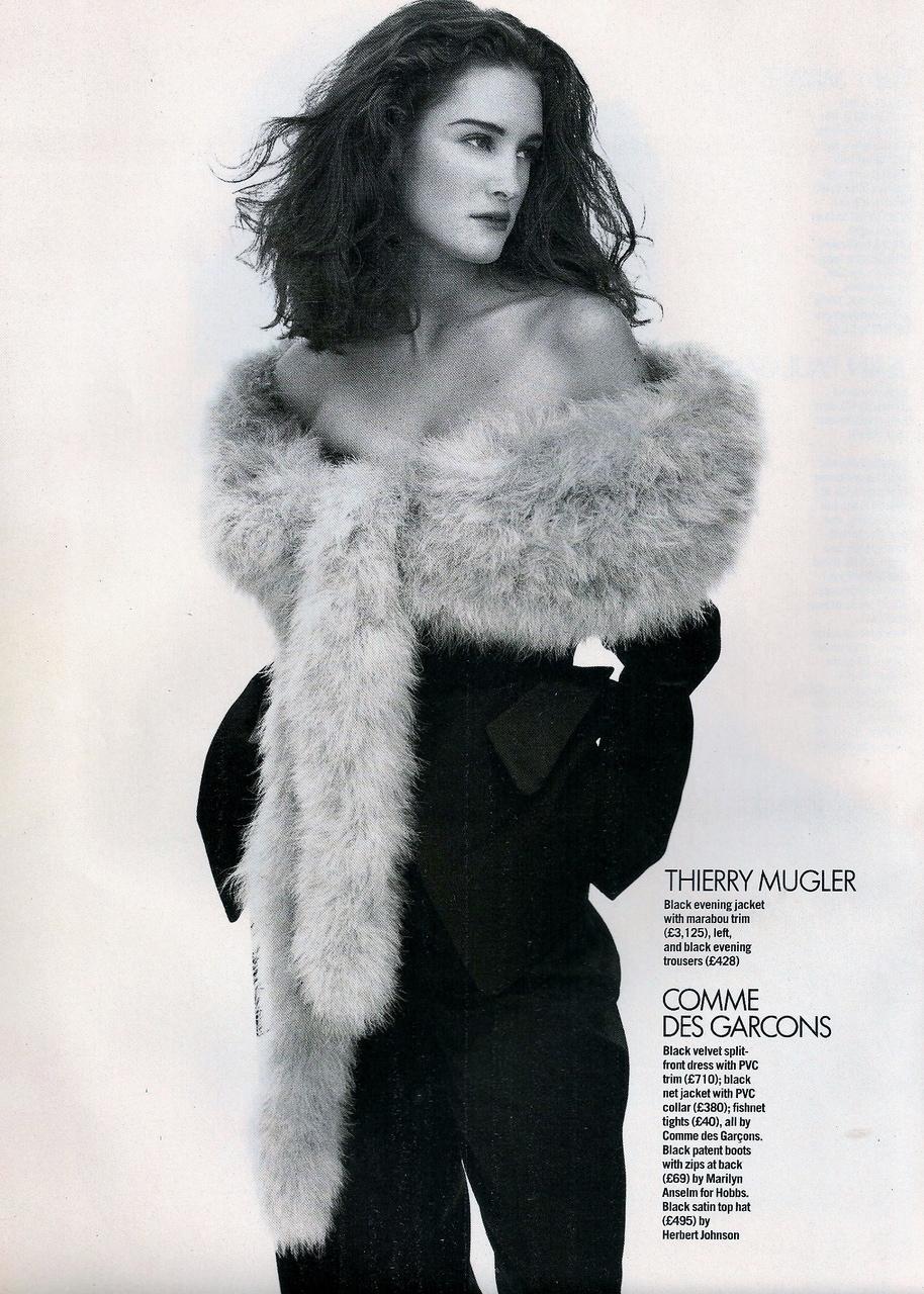 Vogue (UK) October 1991 | Claudia Mason & Valerie-Jean 03.jpg