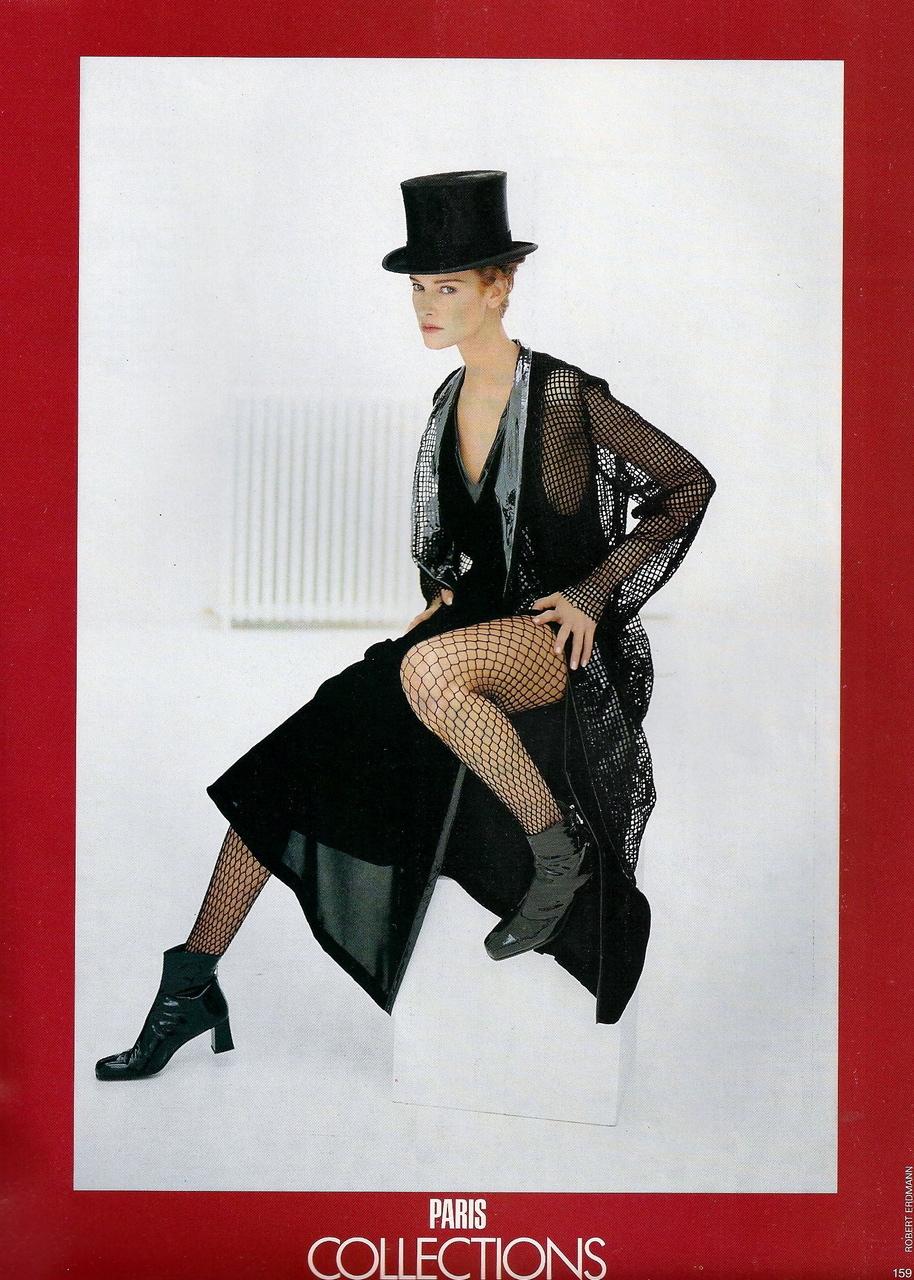 Vogue (UK) October 1991 | Claudia Mason & Valerie-Jean 04.jpg