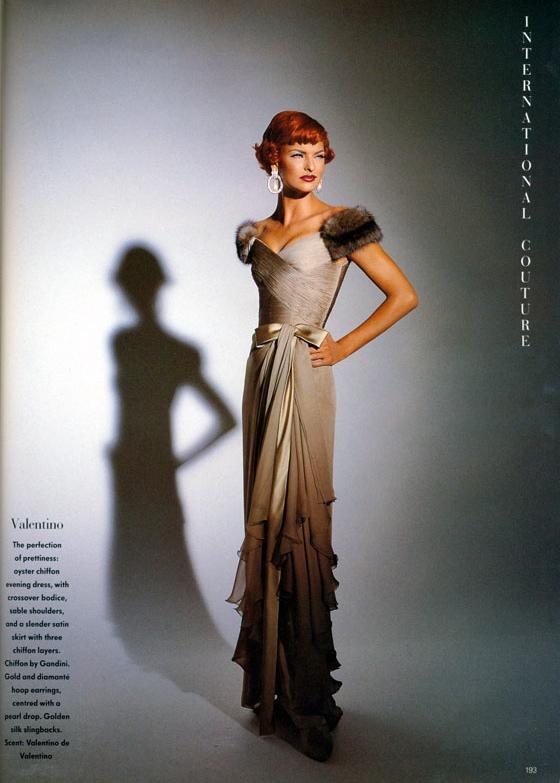 Vogue (UK) October 1991 | Linda Evangelista 04.jpg