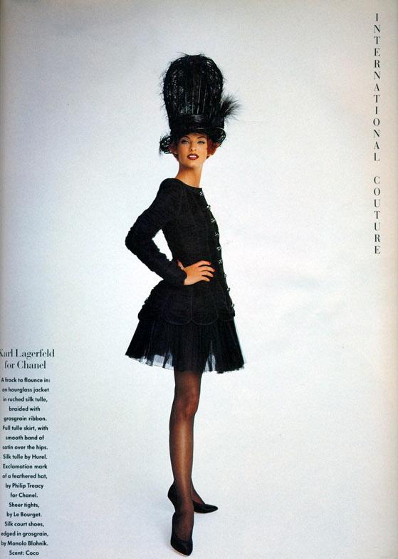 Vogue (UK) October 1991 | Linda Evangelista 06.jpg