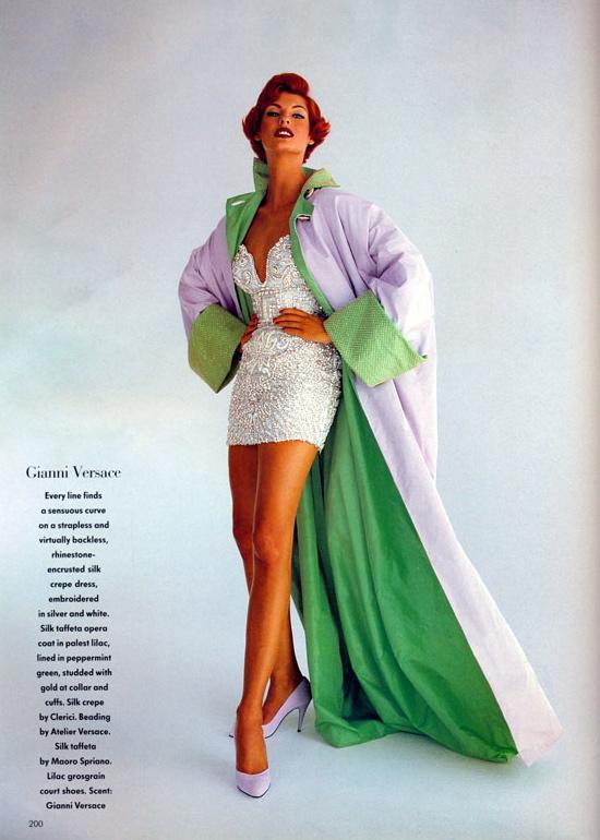 Vogue (UK) October 1991 | Linda Evangelista 11.jpg