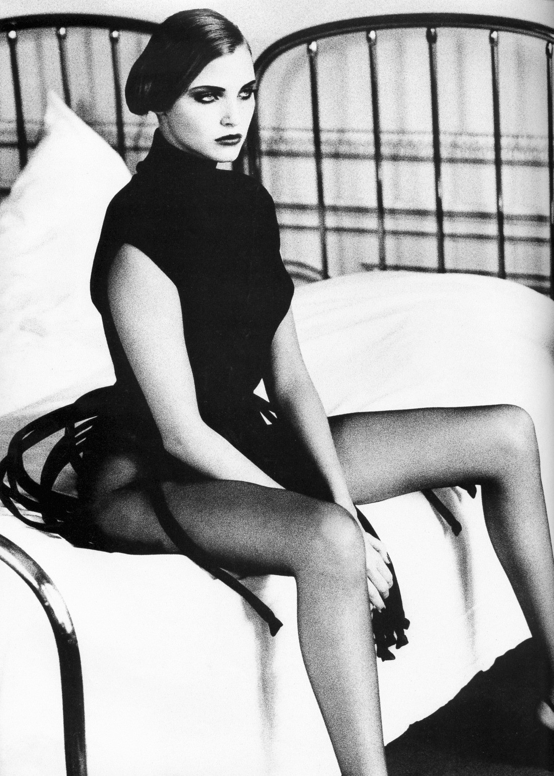 Vogue (UK) October 1991 | Nadja Auermann by Ellen Von Unwerth 03.jpg