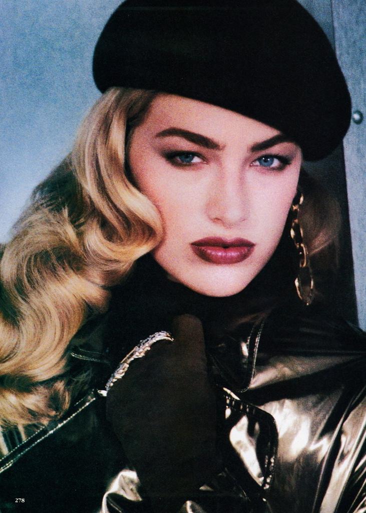 Vogue (US) October 1991 | Elaine Irwin 03.jpg