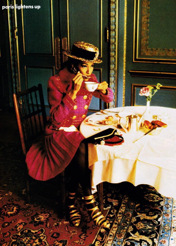 Vogue (US) October 1991 | Karen Mulder 03.jpg