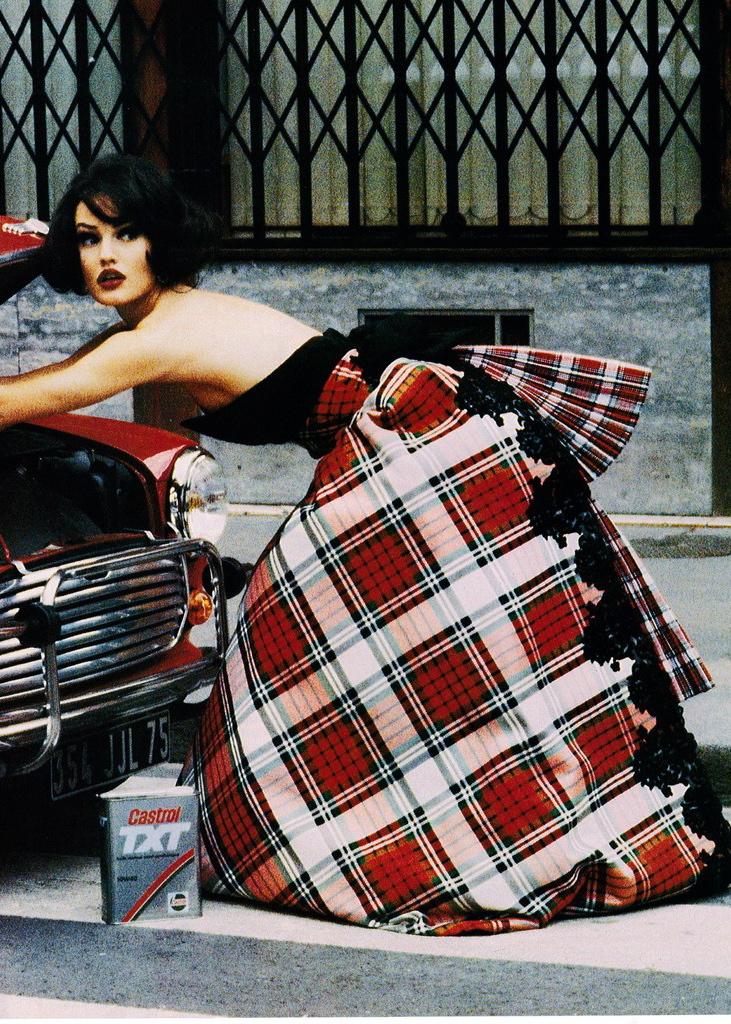 Vogue (US) October 1991 | Karen Mulder 02.jpg