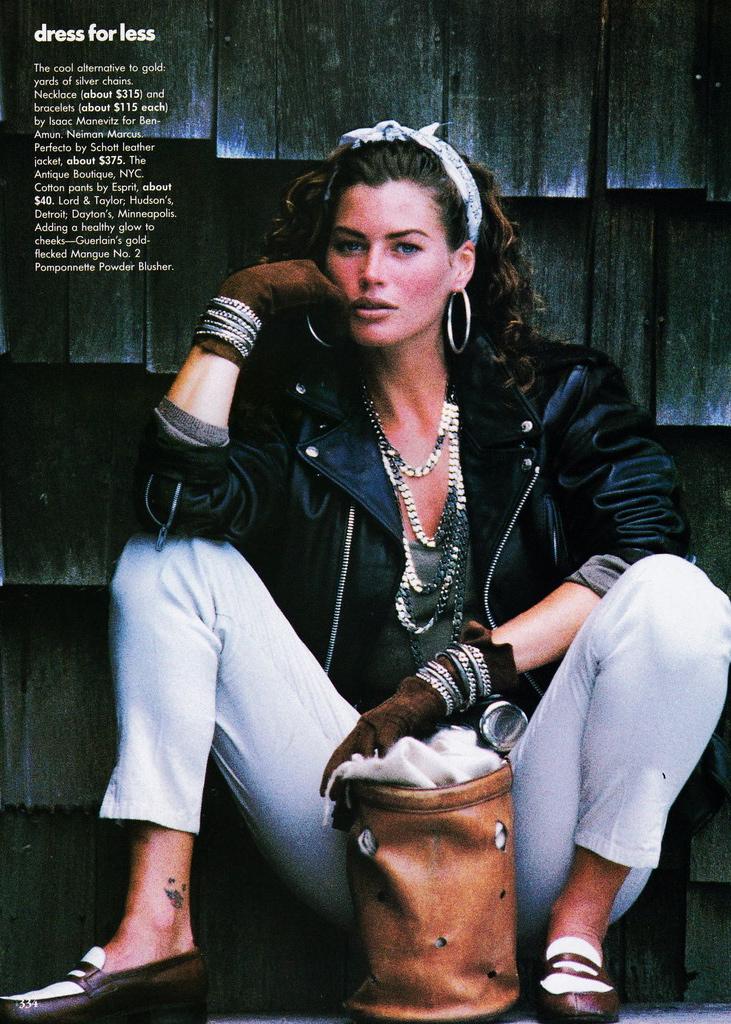 Vogue (US) October 1991 | Carre Otis 03.jpg