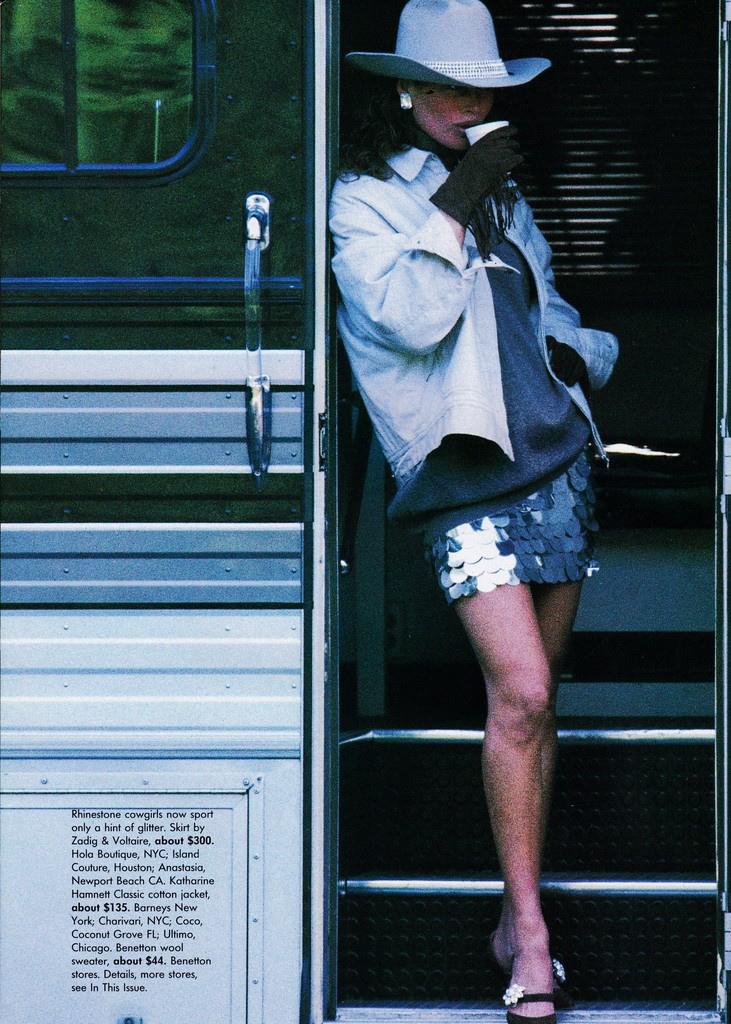Vogue (US) October 1991 | Carre Otis 05.jpg
