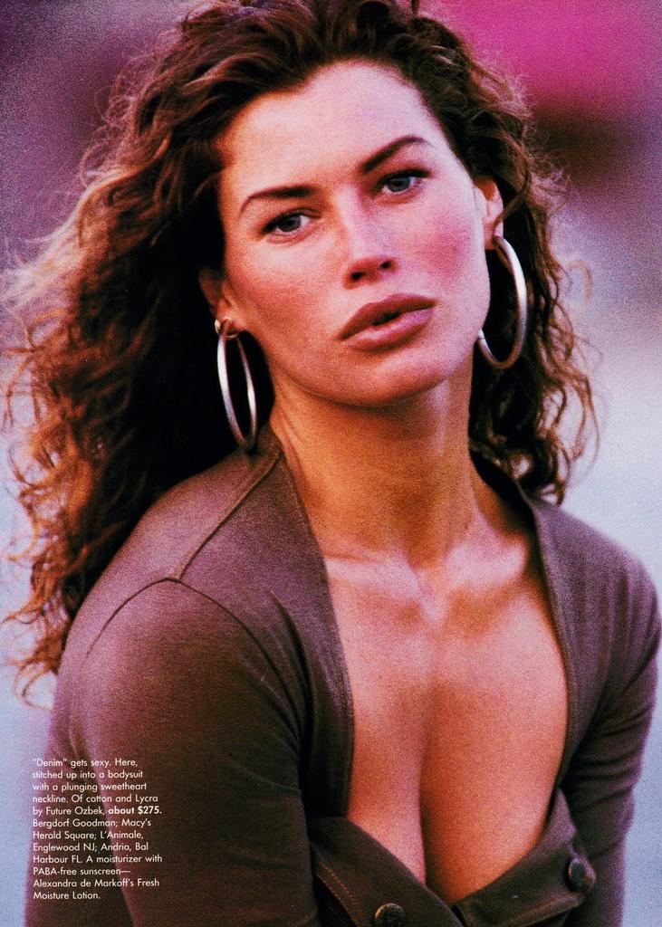 Vogue (US) October 1991 | Carre Otis 09.jpg
