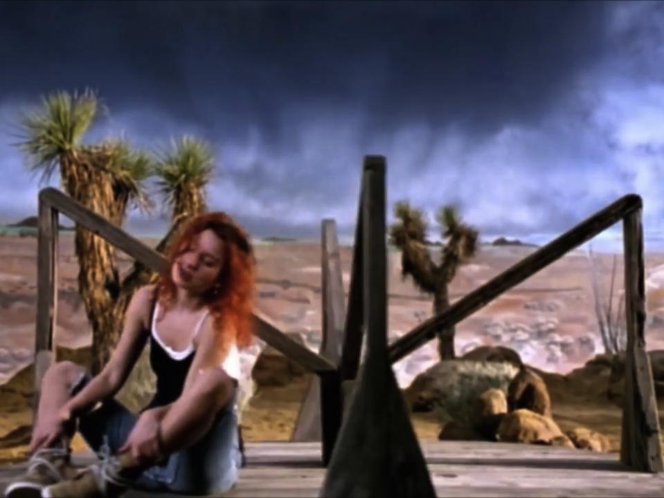 Tori Amos | Cornflake Girl (US) 06.PNG