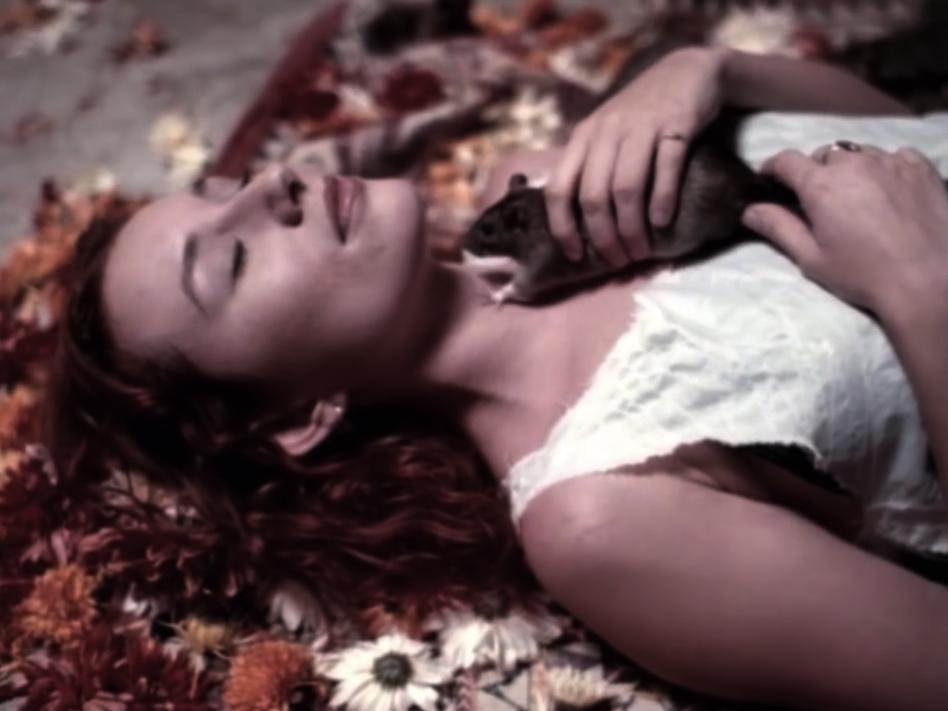 Tori Amos | God 06.PNG