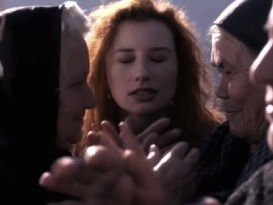 Tori Amos | Past The Mission 03.PNG