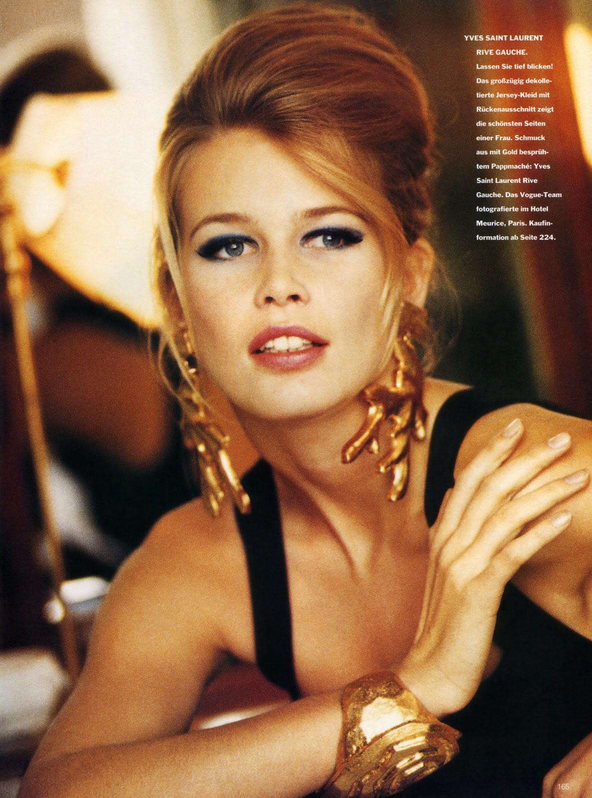 Vogue (Germany) January 1991 | Das Kleine 04.jpg