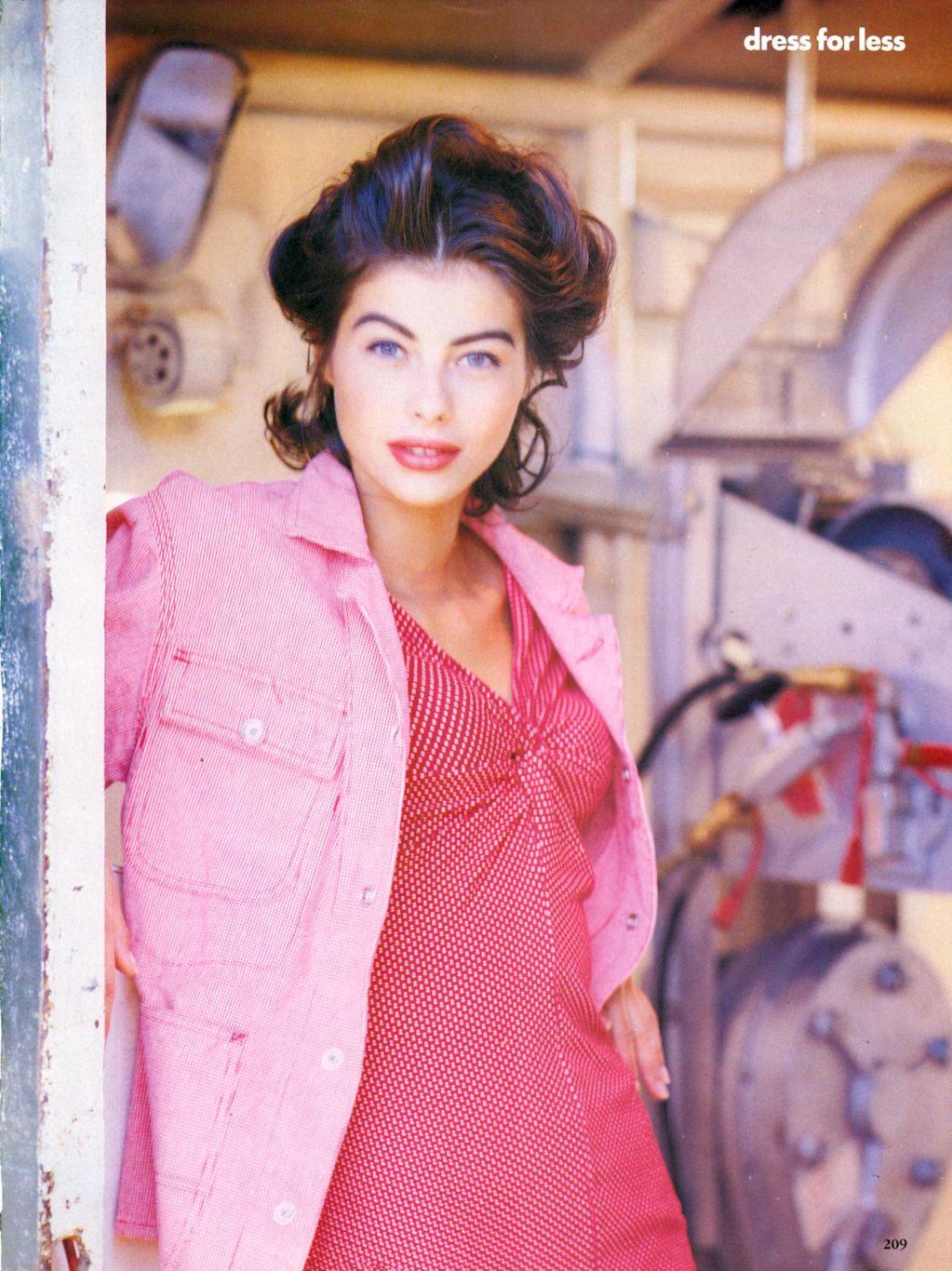Vogue (US) January 1991 | Dress For Less - ingham Checks In 06.jpg