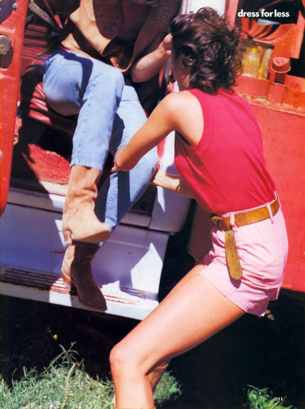Vogue (US) January 1991 | Dress For Less - ingham Checks In 08.jpg