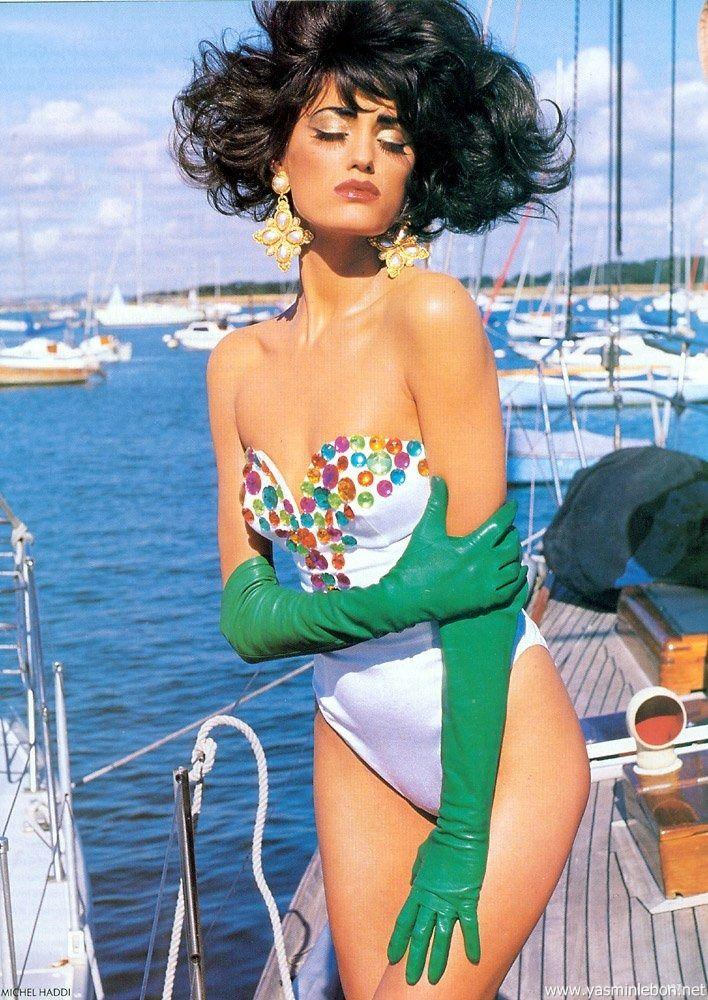Vogue (UK) January 1991 | Glam Meets Rock 06.jpg