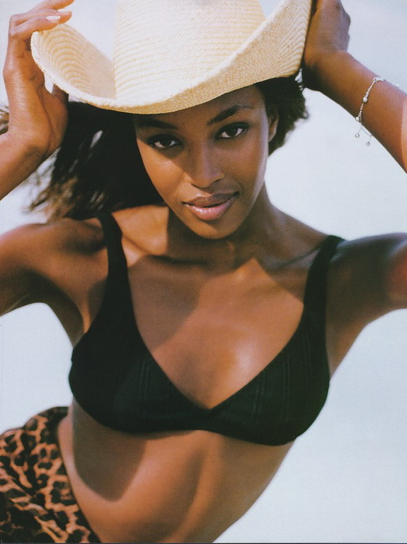 Vogue (UK) November 1996 | Naomi Campbell 10.jpg