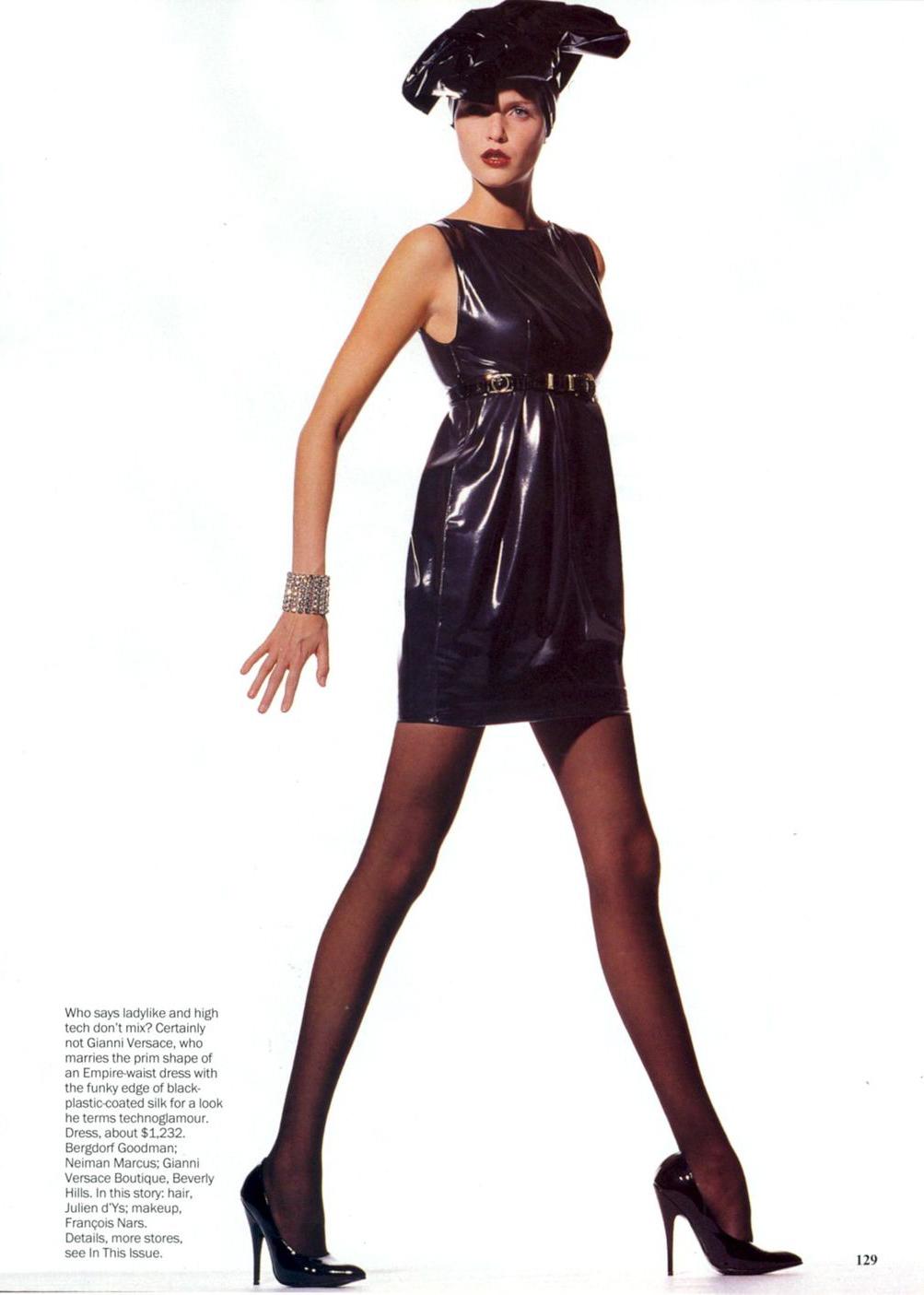 Vogue (US) July 1994   Nadja Auermann by Irving Penn 06.jpg