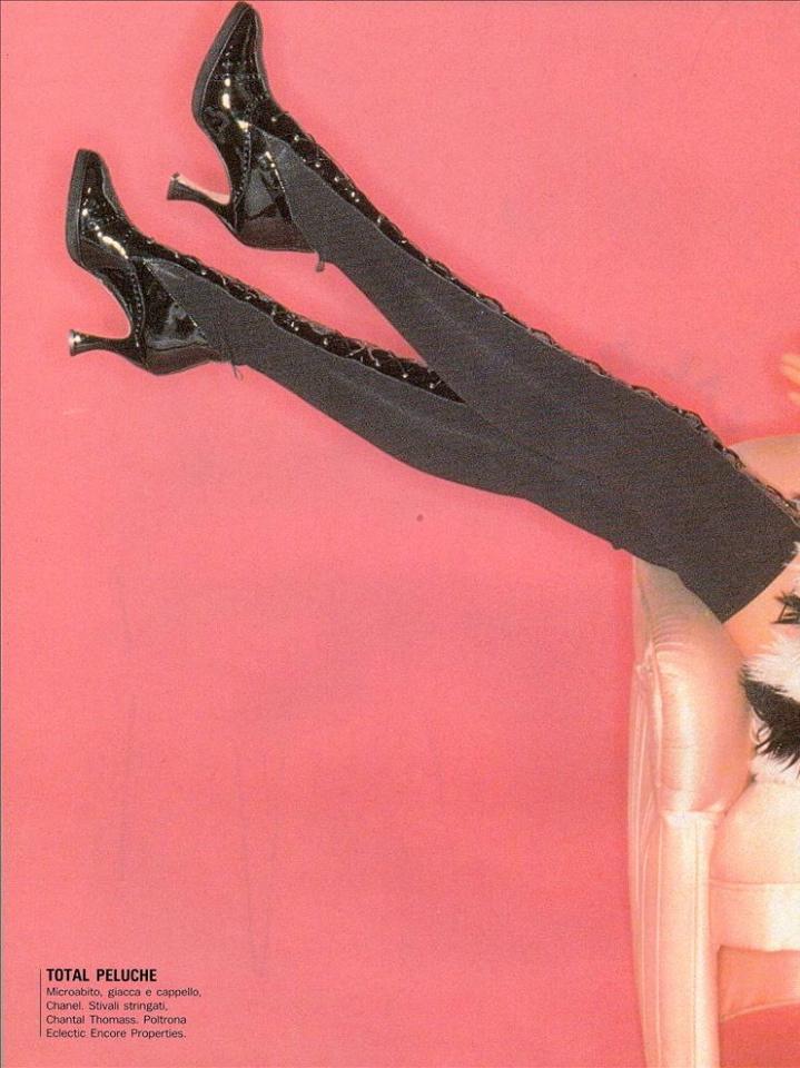 Vogue (Italia) July 1994   Claudia Schiffer 03.jpg