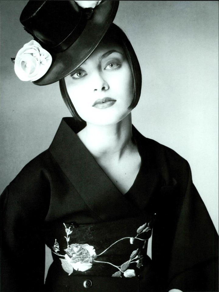 Vogue (Italia) July 1994   03 Nadja Auermann.jpg