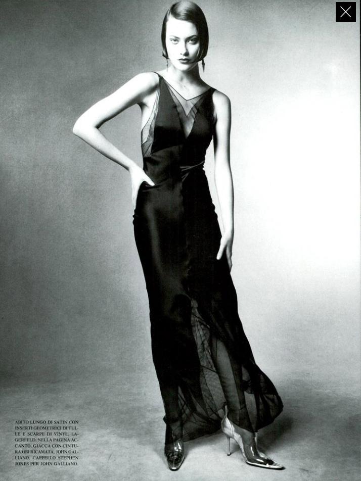 Vogue (Italia) July 1994   04 Shalom Harlow.jpg