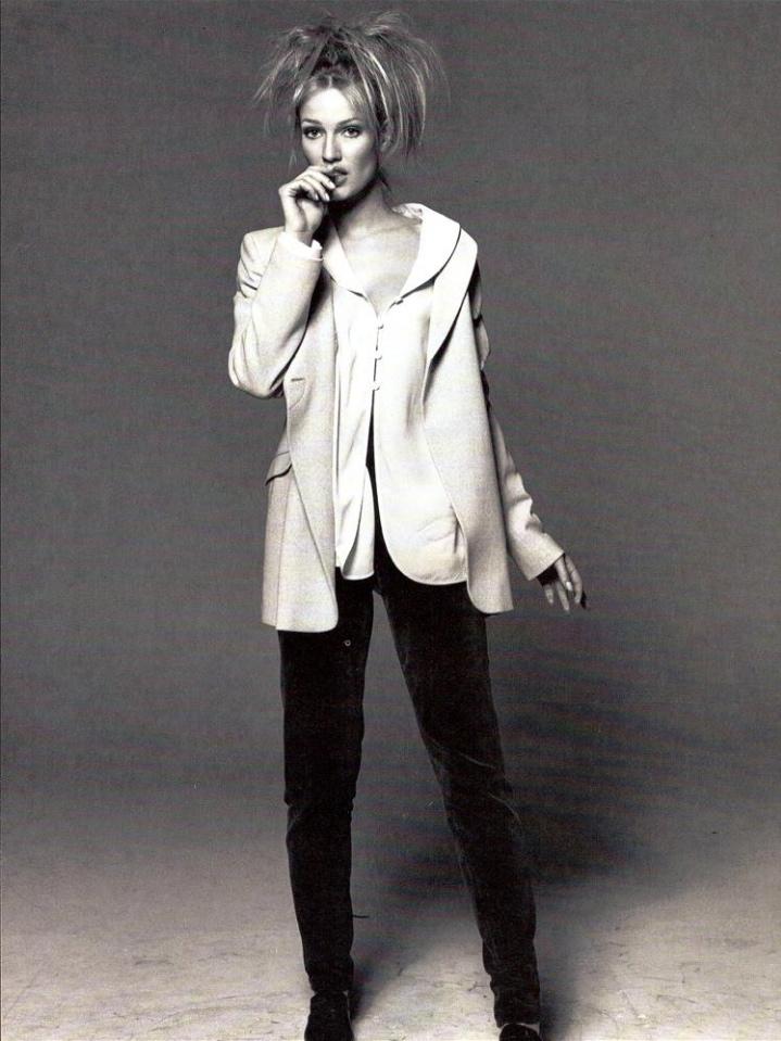 Vogue (Italia) July 1994   05 Karen Mulder.jpg