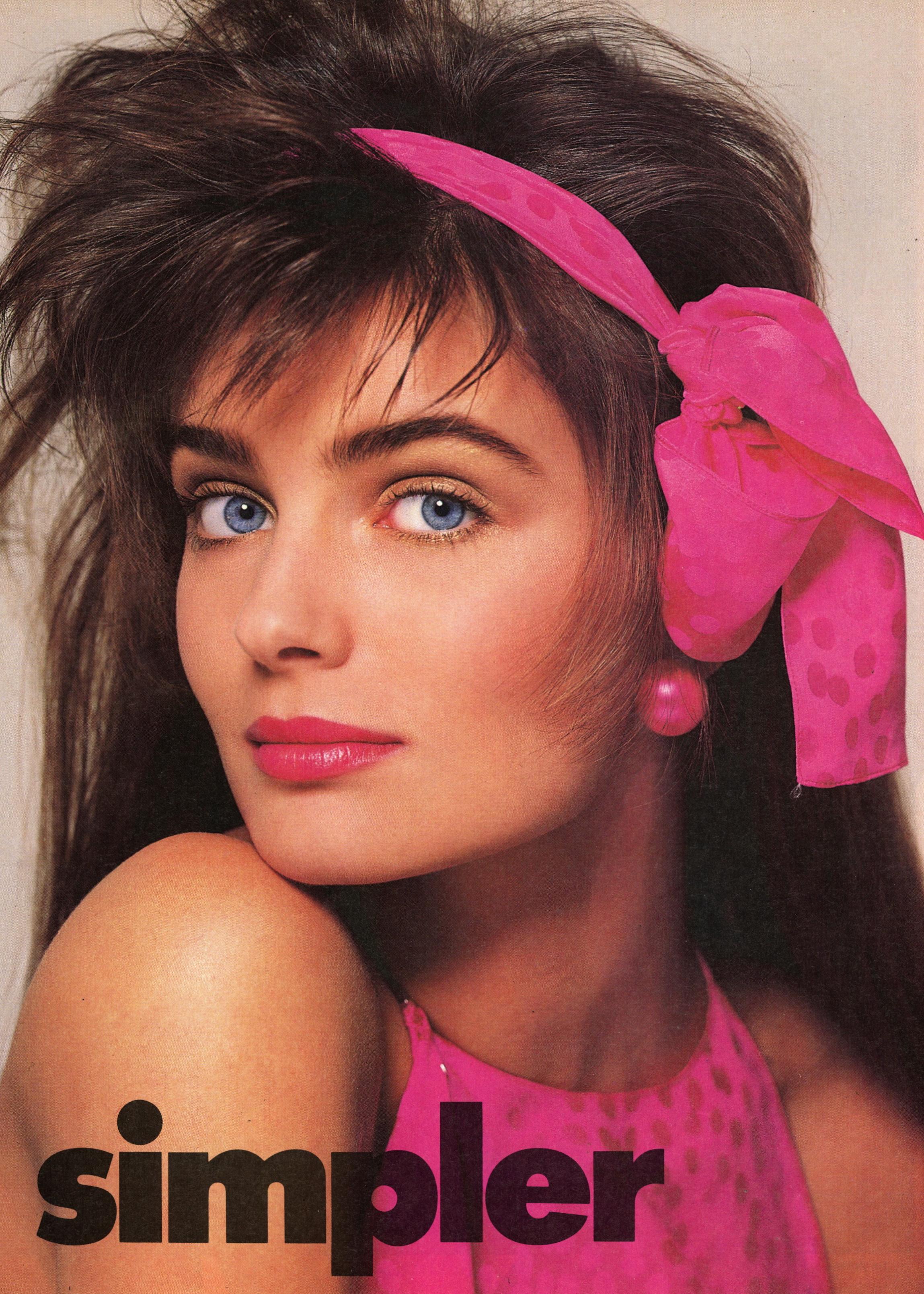 Vogue (US) June 1986 | Paulina Porizkova 04.jpg