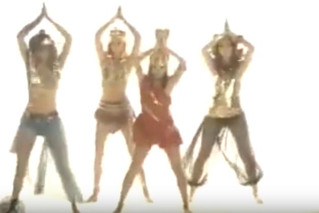 The Bangles | Walk Like An Egyptian 01.png
