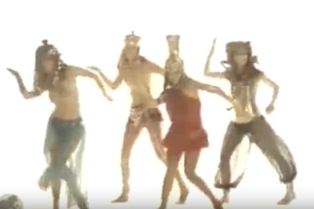 The Bangles | Walk Like An Egyptian 05.png