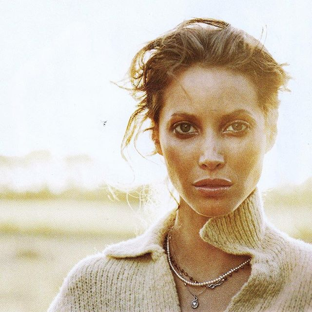 Marie Claire (US) January 1997 | Christy Turlington #90s #fashion #90sfashion #90sfashion #christyturlington #supermodel #topmodel #vintage #vintagemagazine #marieclaire #doubledenimdays