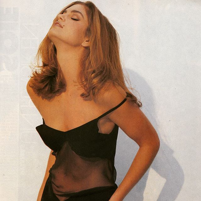 ELLE (France) December 1990 | Cindy Crawford #90s #fashion #90sfashion #1990 #elle #ellemagazine #cindycrawford #supermodel #retro #vintage #doubledenimdays