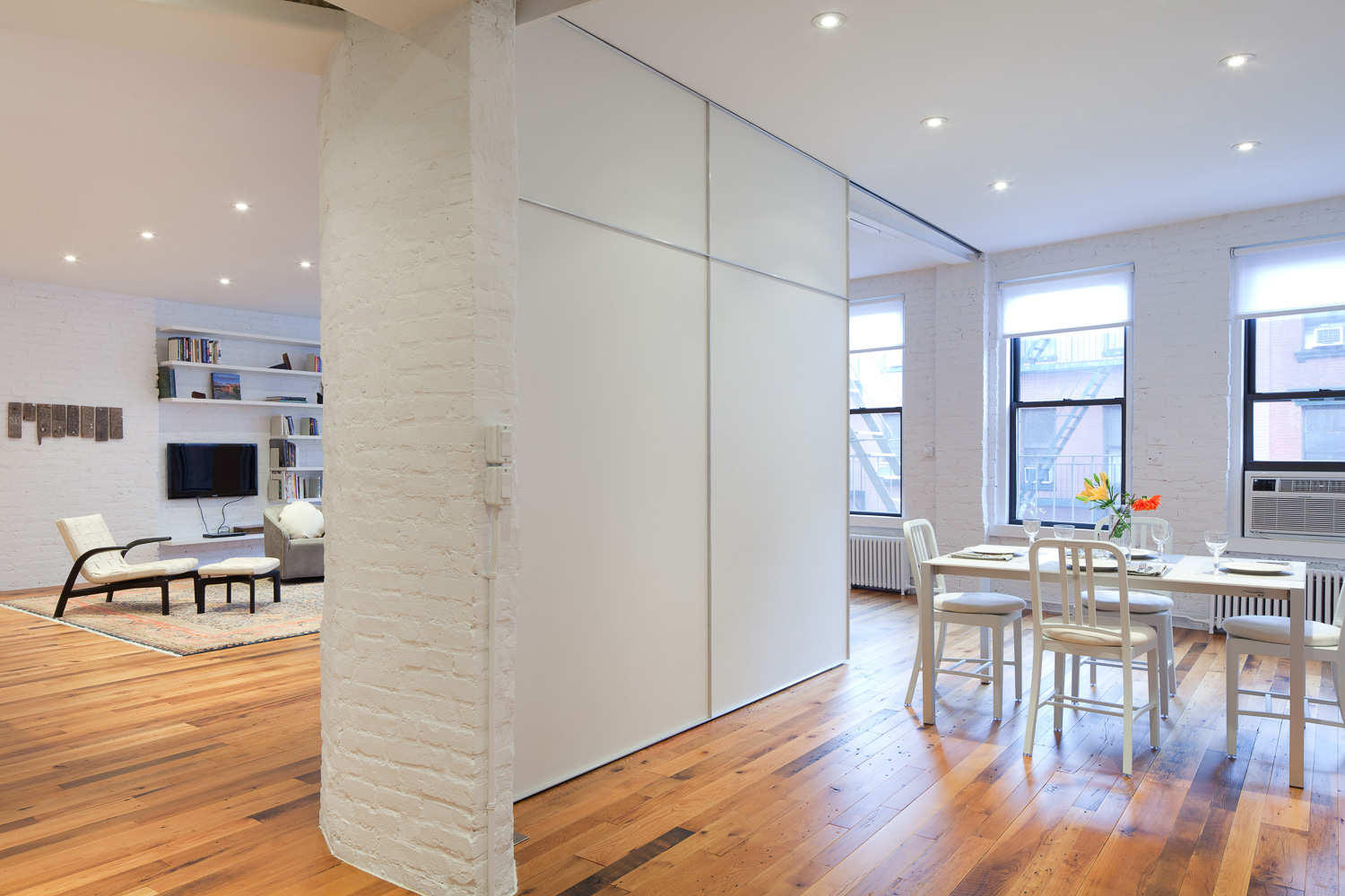 Munter Residence by I-Beam_Dining area & Living Area_Photo by Travis Dubreuil.jpg