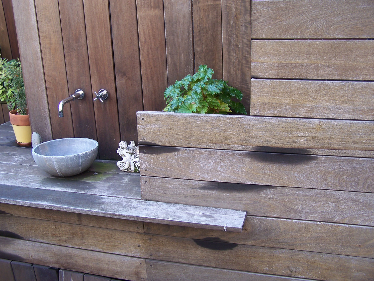 03_Sink_Petroulas Roof Garden by I-Beam_photo by Travis Dubreuil.jpg