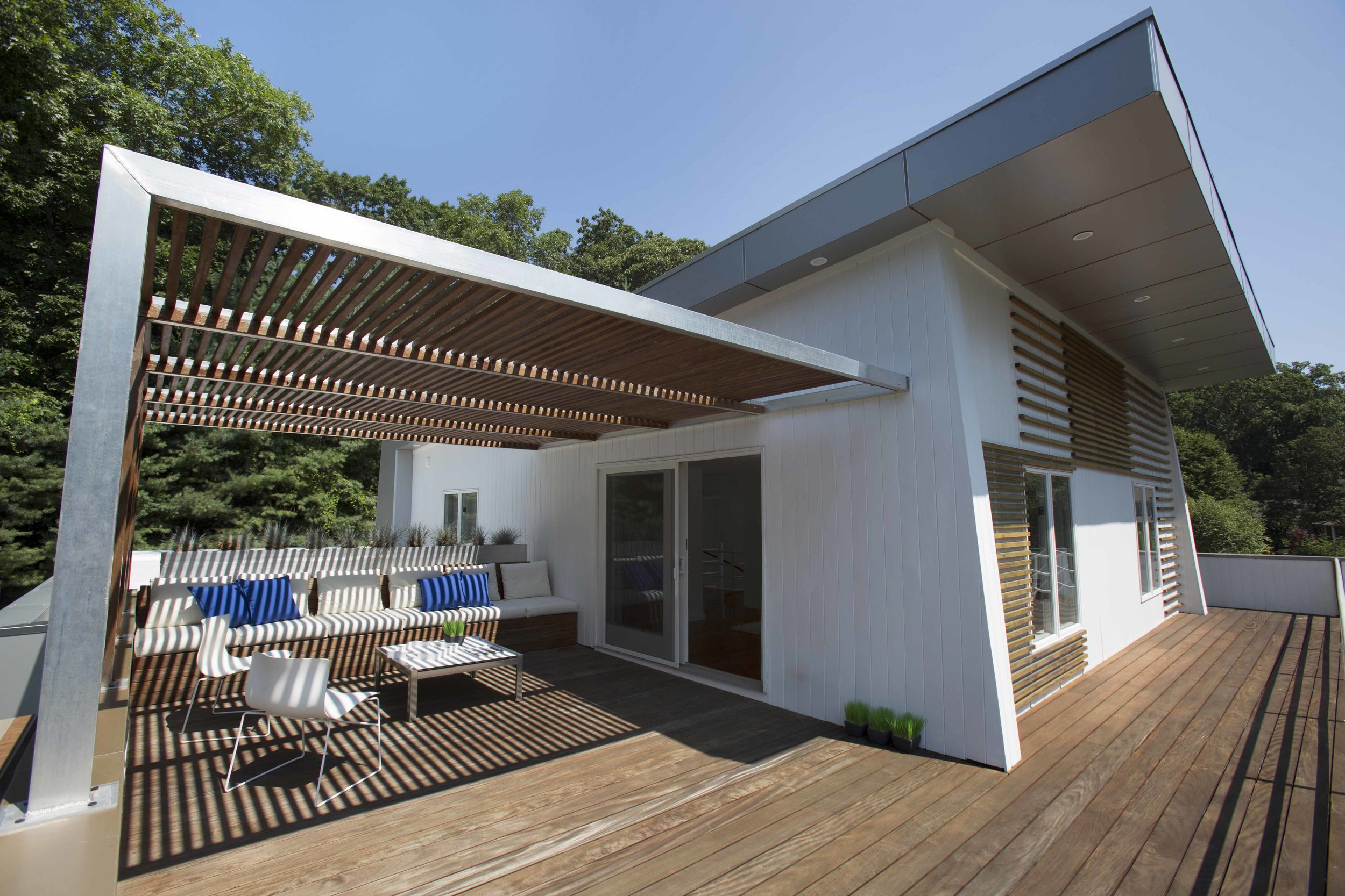 Orient Point Residence terrace small.jpg