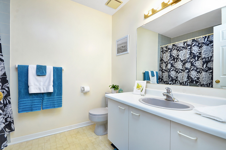 022bathroom2.jpg