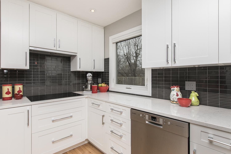 26 - Kitchen.jpg